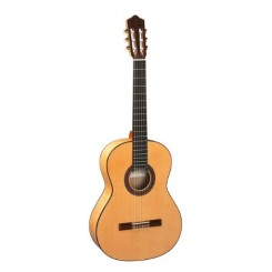 Perez 630 Flamenco Guitar